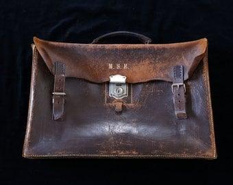 Vintage leather doctor style satchel