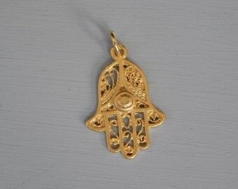 Gold vermeil hamsa hand charm, gold over silver, pendant, jewelry finding, good luck charm, yoga,