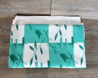 Vintage Seafoam Checkerboard Vine Floral Tablecloth