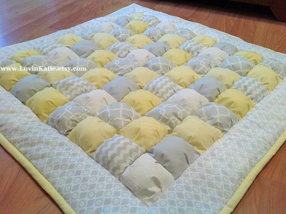 Baby bubble quilt puff quilt biscuit quilt for floor time for Floor quilt for babies