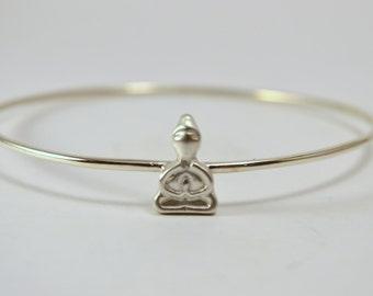 Silver Stacking Bangle / Praying Buddha / Silver Wire Bangle // Buddhist Chakra Bracelet / Stackable Bangle / Stack Bracelet YOGA Tantric