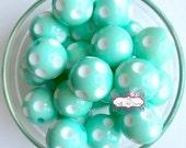 20mm Wintergreen Polka Dot Chunky Bubblegum Beads Set of 10