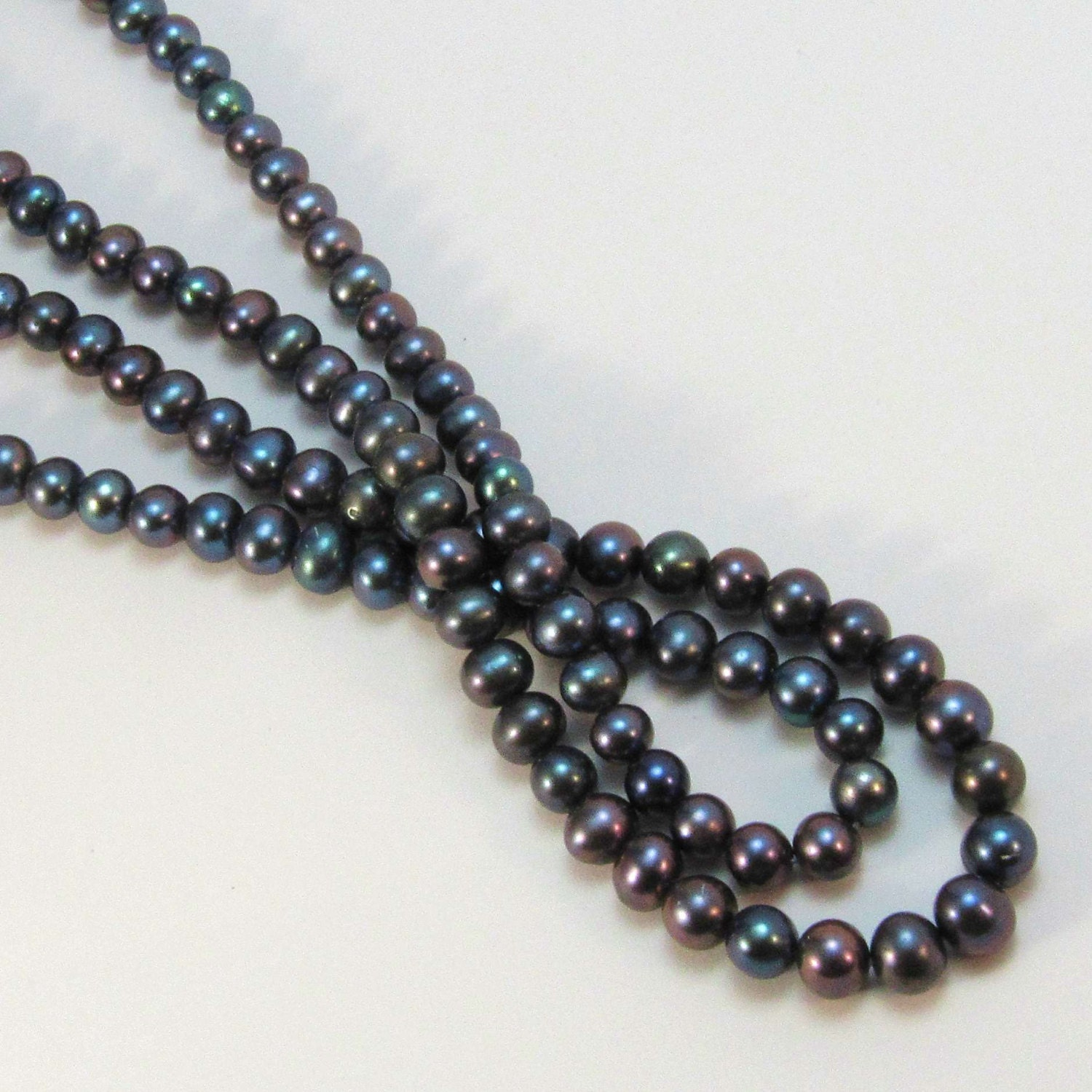 Black Peacock 8mm Pearls Freshwater Cultured Pearl Beads