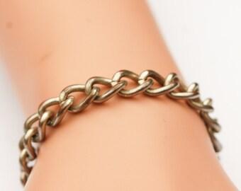 Fine Simple Vintage Thick linked Bracelet