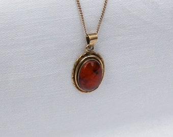 Fine Vintage Amber / Silver Pendant with Silver chain.