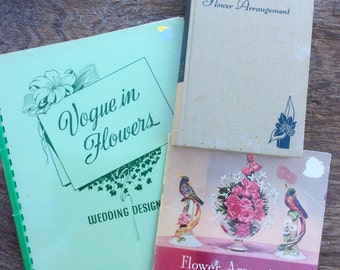 lot of 3 vintage flower arranging books