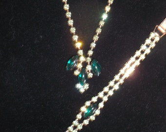 1950's Vintage Emerald Green Rhinestone Necklace Set