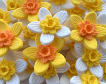 CUPCAKE DAFFODILS handmade edible sugar paste cake decorations toppers