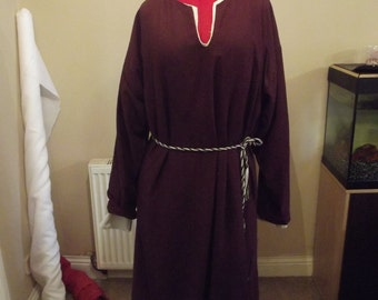 Early Medieval Lady's pure linen Kyrtle (Tunic) Suitable for Viking and Saxon Re-enactment or Larp