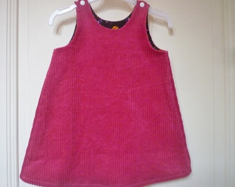 Velvet dress pink large sides, form trapeze, chasuble, suspenders. Size 2 years