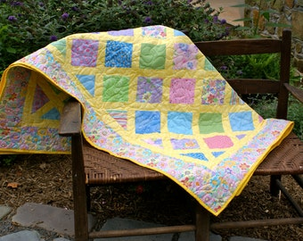 Girl's Yellow Floral Quilt