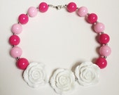 White Bouquet Chunky Necklace