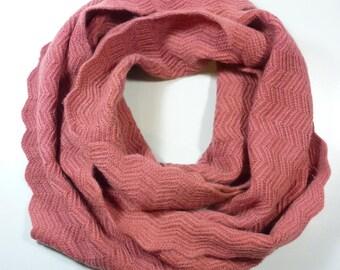 Peachy Pink Cashmere SNOOD, neck pink cashmere knit openwork HeritageConceptParis, gift women Valentines cashmere pink