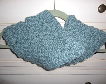 100% Wool Flat Knitted Cowl