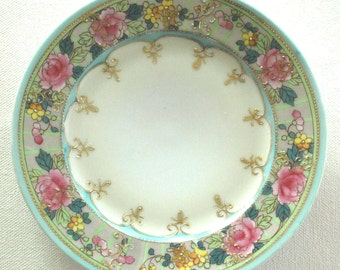 Vintage handpainted floral plate.So pretty. Made in Japan