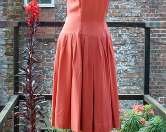Pink 40s style dropped waist dress. S/M