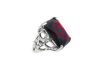 Sterling Silver 925 Ring with Garnet