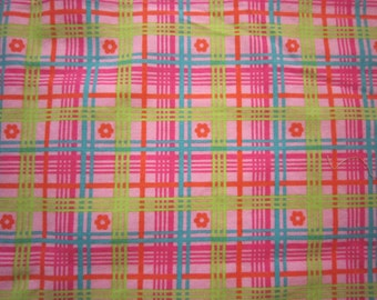 Baby Crib Sheet or Toddler Bed Sheet - Bright Pink Plaid