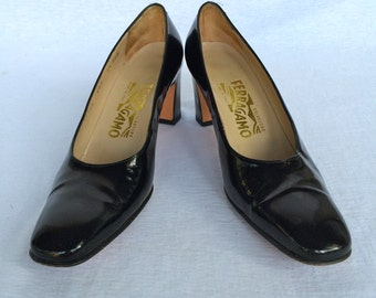 Vintage 90s Salvatore Ferragamo Patent Leather Heels Size 7.5 AAA