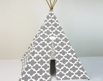Kids Play House Teepee Tent in Ash Gray and White Quatrefoil Trellis Tipi print