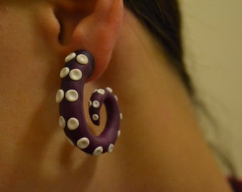 Fake gauge octopus tentacles earrings!
