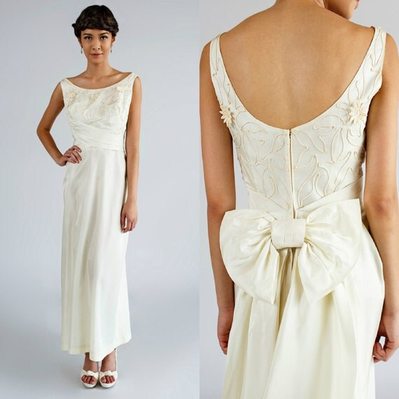 Vintage Wedding Dresses 1960s: Long 1960s Wedding Dress / Vintage Ivory Satin Dress