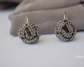 Earrings crochet- silk 100% - small  roses in dove grey –  Nepal Aid