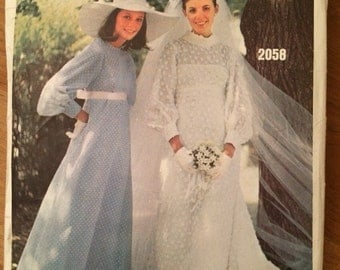 1960's Bridal Design and Bridesmaids' Dress Vogue 2058 Wedding Dress  Size 8