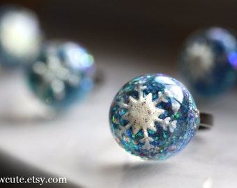 Ring, Snowflake Jewelry, Snowflake Frozen in Resin, Blue Glitter Ring, Adjustable Size Glitter Resin Ring Handmade Jewelry isewcute