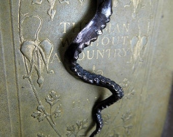 The Tentacle - Bronze Pendant