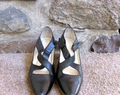 ROCKPORT Black LEATHER shoes pointy rubber sole like new size 6M