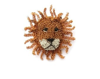 Lion brooch - lion face, lion jewelry, crocheted brooch, animal face brooch, cat jewelry, cat brooch, crochet jewelry