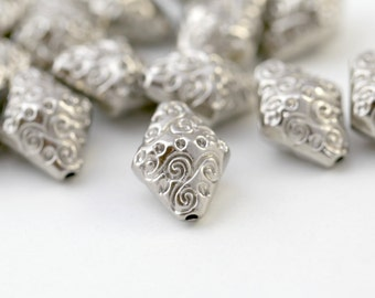 Acrylic Beads Carved Etched Silver Bicone 19mm (16)