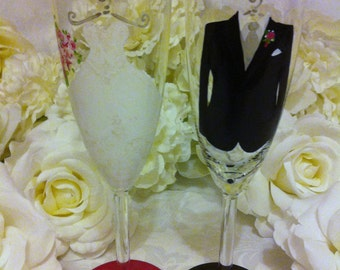 Hand Painted Bride and Groom  Glasses Choose any style glass
