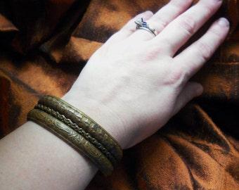Brass Indian Bangle Double Bracelet French Motif