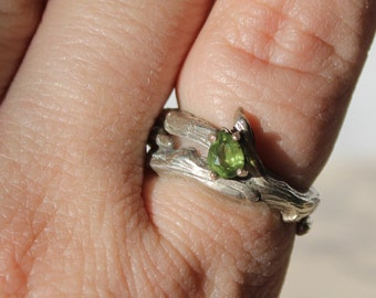 Sterling Silver Nature Inspired Ring with Peridot  Size 8 1/2