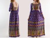 Boho Maxi Dress 1970s Hippie Dress / 70s Dress Bohemian Peasant Dress Empire Waist Dress / Plunge Back Festival Maxi Dress S / M