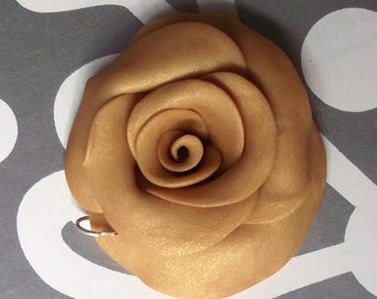 Golden Rose Sculpted Pendant Necklace