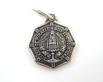 Vintage French Bois-Seigneur-Isaac Miracle of the Holy Blood Catholic Medal - Belgium Religious Charm II20