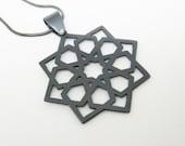 Architecture islamique marocaine étoile noir cuivre pendentif sur chaîne
