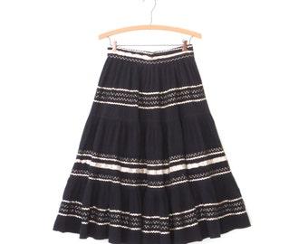 50s Patio Skirt * 1950s Folk Skirt * Vintage Silver Sparkle Skirt * Small