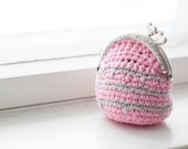 Pink coin purse, small coin purse, crochet coin purse wallet with metal frame with hearts, pink and gray coin purse.