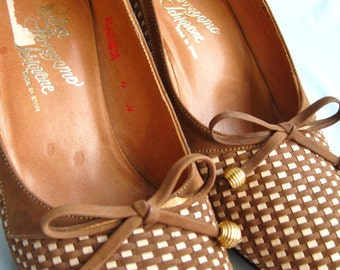 1960s Ferragamo Brown and Ivory Pumps Size 6