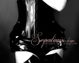 Serpentis dramatic open-toes latex stockings