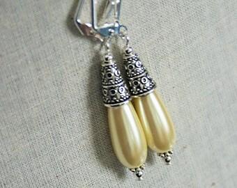 Handmade Yellow Pearl Earrings Pale Yellow Earrings Light Yellow Earrings Yellow Teardrop Earrings Yellow Bridesmaids Yellow Wedding Jewelry