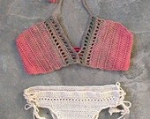 Crochet top in terracotta and chaki and a bottom in cream with shells
