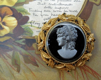 Black Glass Cameo Brooch / Pendant in Gold Frame