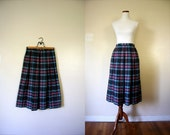 FREE USA SHIPPING / Vintage Skirt / 80's Wool Plaid Skirt / Small