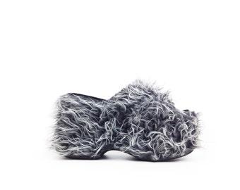 90's NYLA Shaggy Faux Fur Platform Wedge Sandal // 7 - 7.5