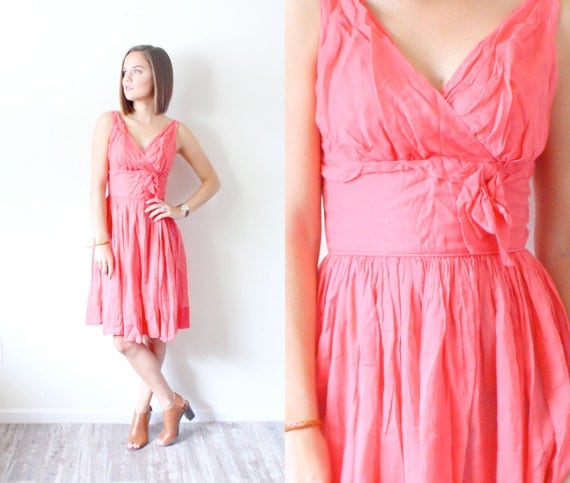 Vintage peach pink dress 50s baby doll dress // pink dress // XS dress // circle skirt // v neck // sumer peach dress